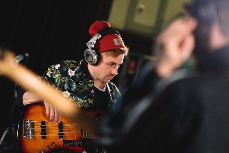 """""""Zenélés közben egyfajta öncélú jó érzés vezérel"""" – interjú Etlinger Misivel"""